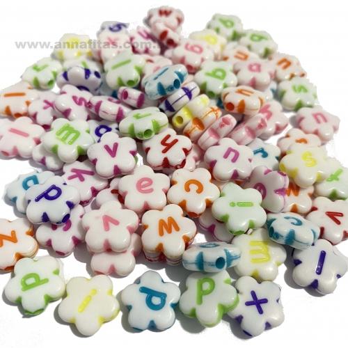 Entremeio Flor Branco com letras coloridas em plástico 10mm com 50g Ref: ENT55