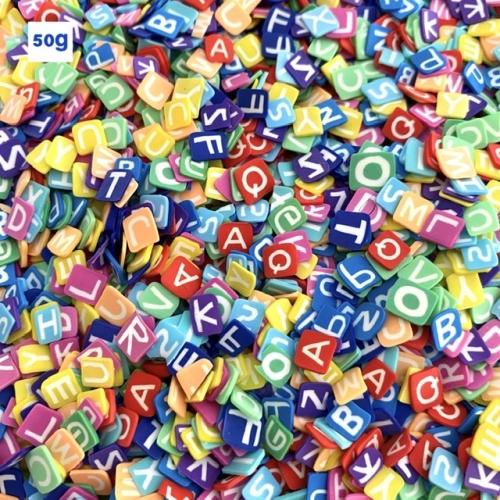 Aplique Letrinha tipo confete de 5mm com 50 gramas Letras Alfabeto Coloridas Ref: A0030