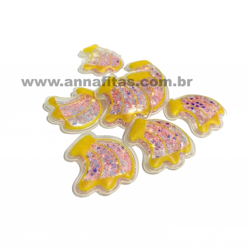 Aplique em Plástico transparente BANANA LANTEJOULAS ROSA BEBÊ 3,5x3 cm (Vendido por Unidade)Ref: TPB01