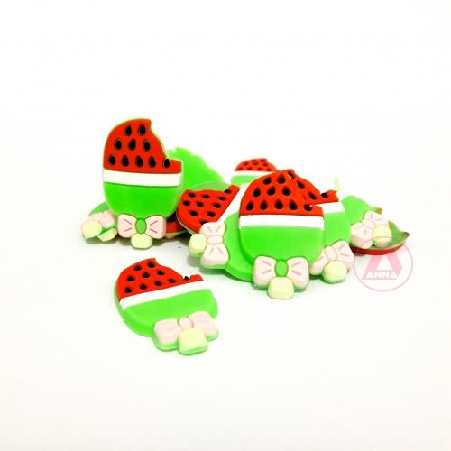 Aplique de Silicone PICOLÉ DE MORANGO 23X27mm 1 unidade  Cor : Verde e Vermelho