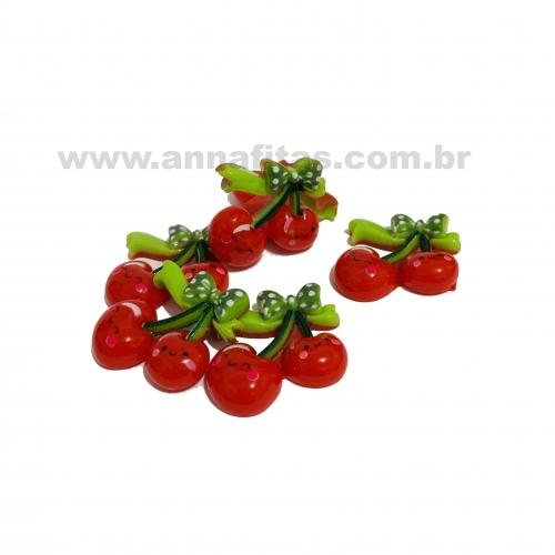 Aplique em acrílico Cereja Vermelha com laço Verde 2,5cm (Por unidade) Ref- TCE15