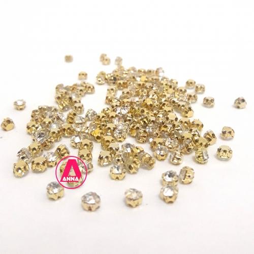 Strass de Costura, SS18 Dourado com Cristal,  na faixa de 175 unidades pacote com 11gramas Ref:534